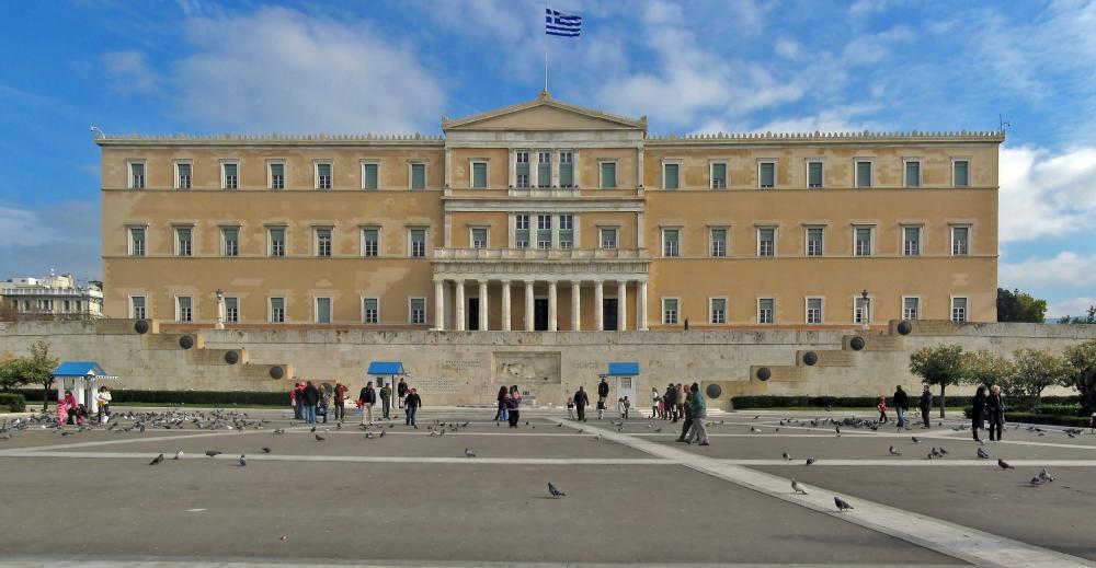 Με ρεκόρ θετικών ψήφων πέρασε το ψηφιακό νομοσχέδιο από τη Βουλή