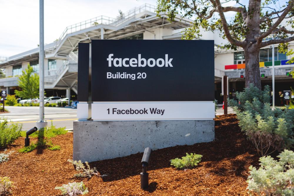 Αλλαγές στις πολιτικές διαφημίσεις για το Facebook