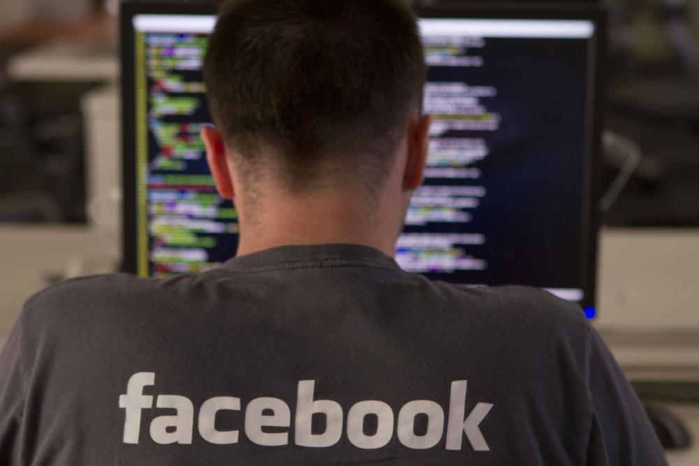 Τέλος στους τίτλους-δολώματα θέλει να βάλει το Facebook