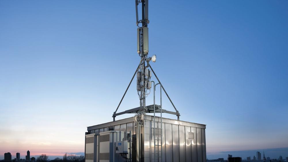 Eταιρεία κοινής συμμετοχής από Vodafone και Wind για τον παθητικό εξοπλισμό των σταθμών βάσης