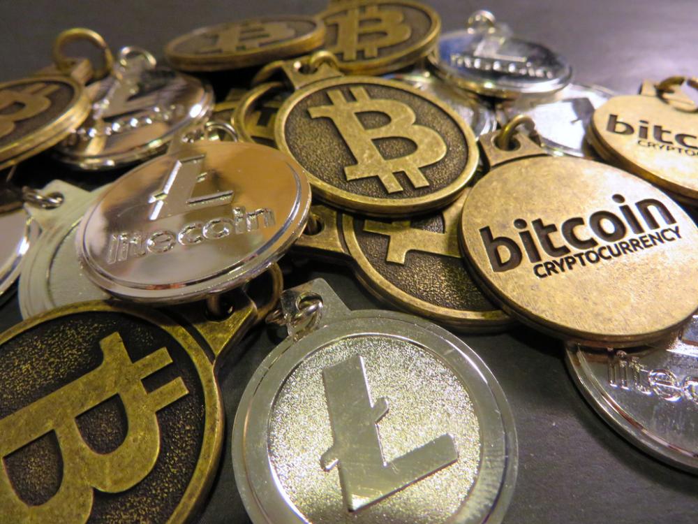 Ποδαρικό στο 2017 με τιμή άνω των 1.000 δολαρίων για το Bitcoin