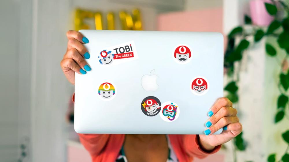 TOBi, ο ψηφιακός βοηθός της Vodafone για τους συνδρομητές της