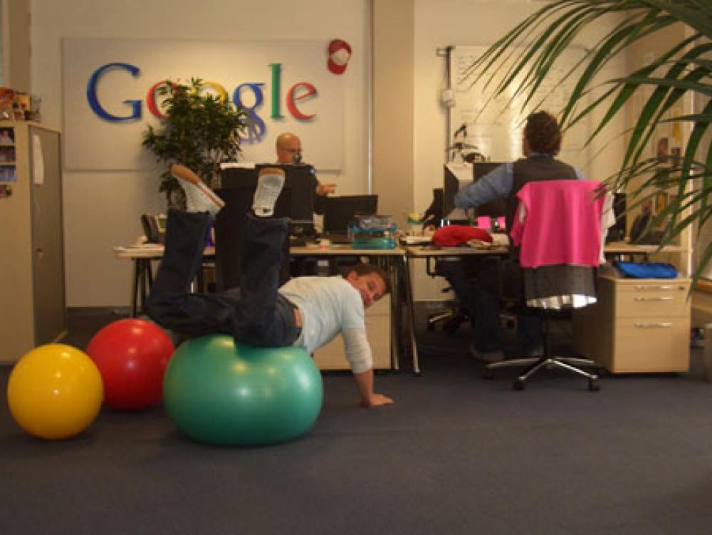 Όλοι θέλουν Google και Apple