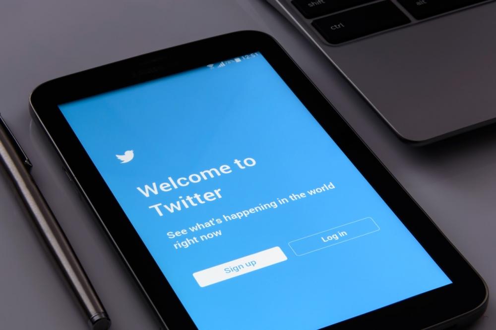 Η καμπάνια για τα ψέματα στο Twitter που δεν ήταν του Twitter