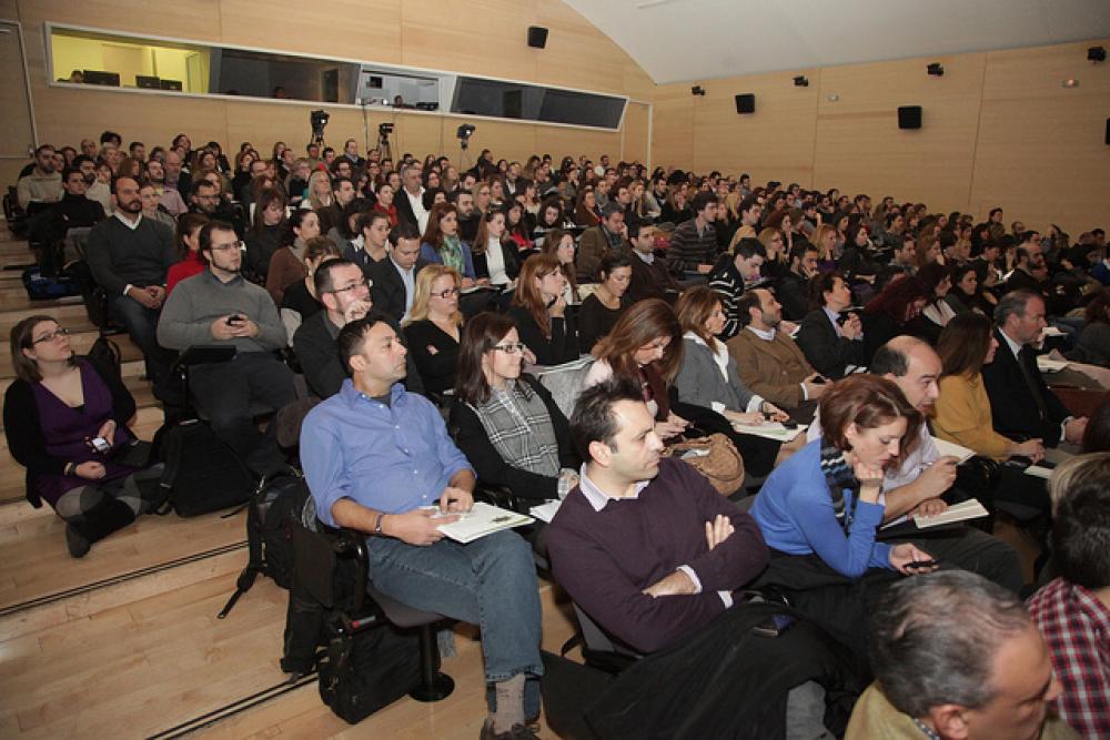 Συνέδρια, πηγαδάκια και twitter