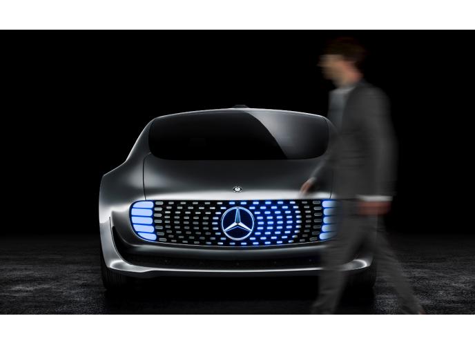 Mercedes: μετατρέπει το αυτοκίνητο σε ένα πολυτελές lounge