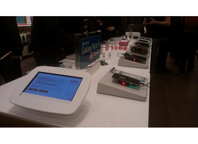 Νέο πρότυπο κατάστημα Vodafone στο The Mall Athens