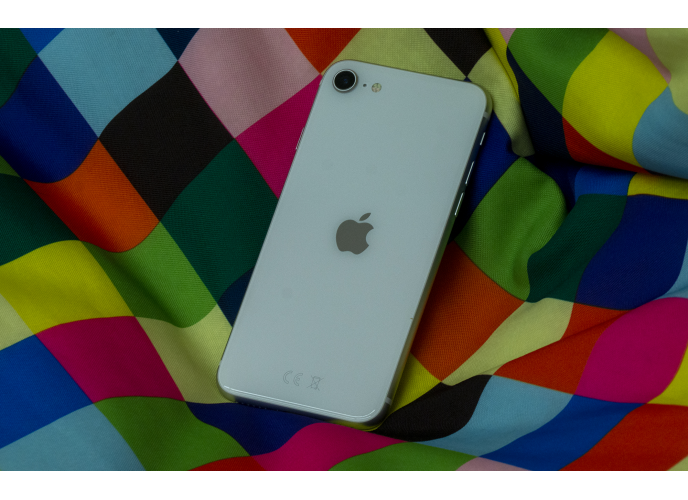 iPhone SE (2020) review