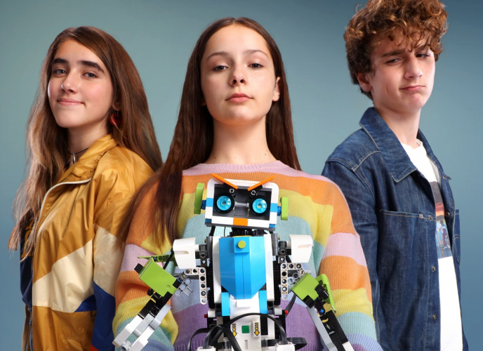 «ROBOGIRL»: Η πρώτη ταινία μυθοπλασίας για τα παιδιά της εκπαιδευτικής ρομποτικής από την Cosmote