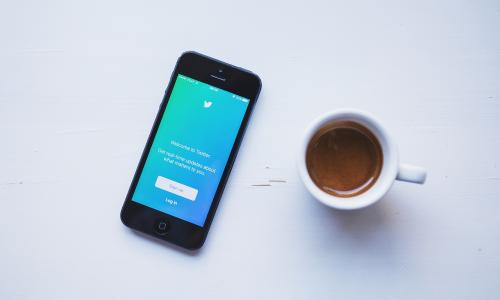 Σήμανση στα tweets που συνδέουν το 5G με τον κορωνοϊό