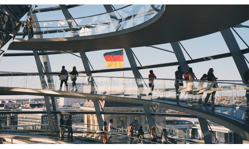6,5 εκατομμύρια downloads σε 24 ώρες για το app ιχνηλάτησης στη Γερμανία