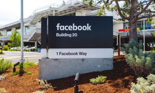 Ανησυχητικά νέα για τους εκδότες φέρνει το Facebook