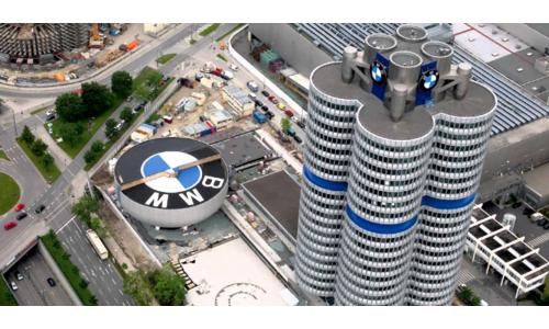 Η BMW χαμηλώνει τον πήχυ για τα ηλεκτρικά της αυτοκίνητα