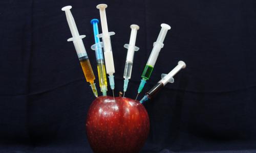Η παραπληροφόρηση απειλεί το εμβόλιο