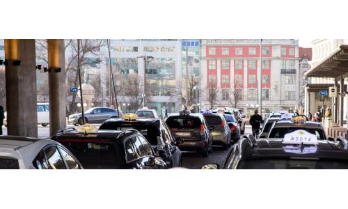 Δίκτυο ασύρματης φόρτισης των ηλεκτρικών ταξί εγκαθιστά το Όσλο