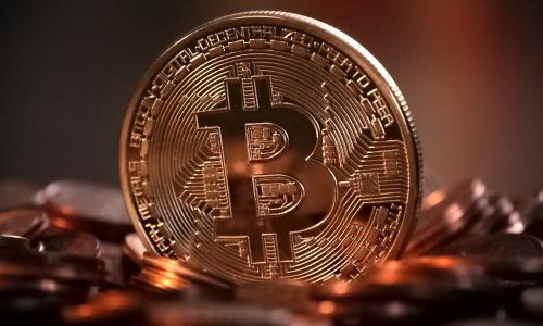 Ξεπέρασε το 1 τρισ. δολάρια η συνολική αξία του Bitcoin