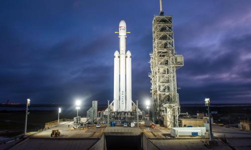 Λίγες ώρες έμειναν για την εκτόξευση του Falcon Heavy