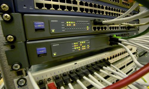 Η CIA παίζει με τους routers