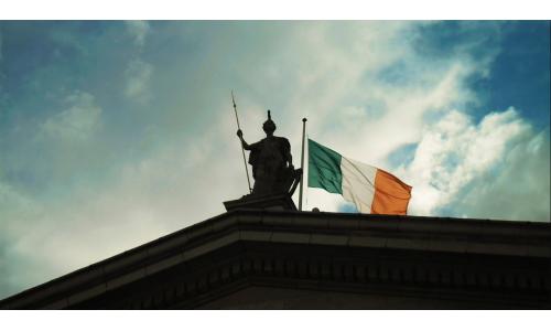 Η Apple πήγε στην Ιρλανδική Εφορία με 14,3 δισ. ευρώ