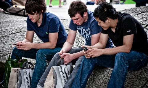 Οι νέοι φεύγουν από το Facebook για άλλες πλατφόρμες