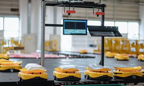 ΕΛΤΑ: ξεκίνησε η λειτουργία της πρώτης ρομποτικής εγκατάστασης διαλογής αντικειμένων