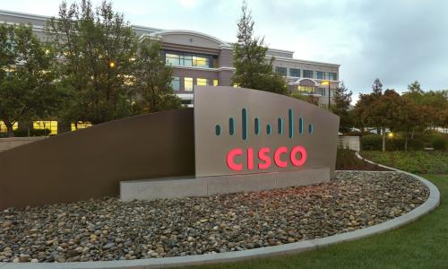 Κατεβάζει τις διαφημίσεις από το YouTube η Cisco