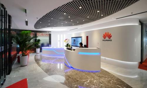 Huawei: για είσοδό της στα ηλεκτρικά αυτοκίνητα κάνει λόγο το Reuters