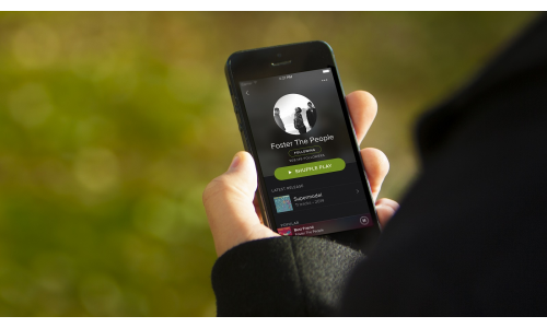 To Spotify καταγγέλλει την Apple στις ευρωπαϊκές αρχές ανταγωνισμού