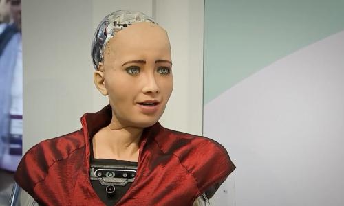 Ξεκινάει η εμπορική διάθεση της Sophia, του ανθρωποειδούς ρομπότ