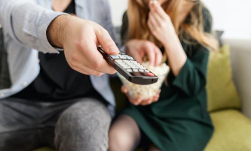 Η τηλεόραση κέρδισε το στοίχημα της ενημέρωσης για τον κορωνοϊό