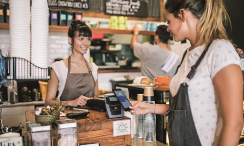 Τις συναλλαγές μέσω φορητών συσκευών εμπιστεύονται οι Έλληνες καταναλωτές