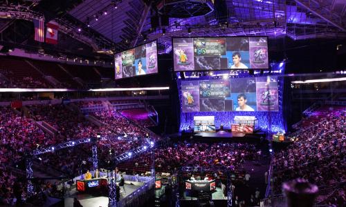 Δυναμικά στην αγορά των e-sports το YouTube
