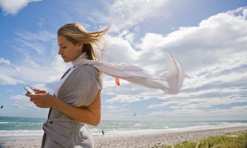 Μείωση τελών τερματισμού κλήσεων στα δίκτυα της Cosmote και Wind