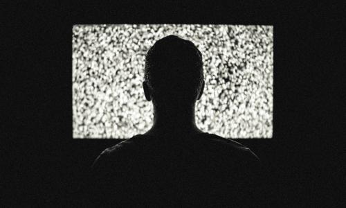 Χαράτσι εκατομμυρίων και στην online συνδρομητική τηλεόραση