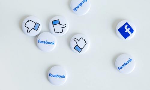 Το Facebook ετοιμάζεται για το ενδεχόμενο διάσπασης